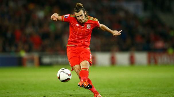 El delantero del Real Madrid es la principal sorpresa en la lista de Gales, que jugará ante los canaleros y Francia.