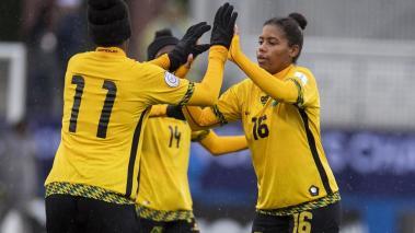 Foto del partido Panama vs Jamaica correspondiente al tercer lugar del Campeonato Femenino de la Concacaf 2018 realizado en el estadio Toyota en la ciudad de Frisco, texas en Estados Unidos. EN LA FOTO: 11 KHADIJA SHAW, 16 DOMINIQUE BOND, Mexsport