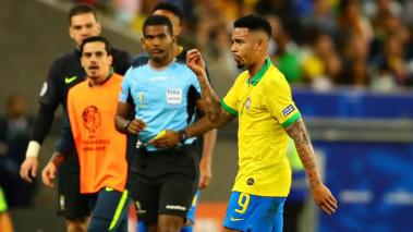 Gabriel Jesus of Brazil walks from the pitch after being shown a red card during the Copa America Brazil 2019 Final match between Brazil and Peru at Maracana Stadium on July 07, 2019 in Rio de Janeiro, Brazil. (Getty Images)