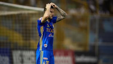 Gignac se lamenta tras la derrota de Tigres ante Alianza. (Foto: Mexsport)
