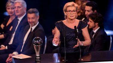 Silvia Neid es elegida como Mejor Entrenadora del 2016