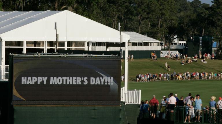 Hoy se festeja en los Estados Unidos el día de la madre. Hay artos ejemplos de madres dentro del deporte practicándolo o siendo el apoyo continuo de muchos deportistas a lo largo y ancho del mundo. FOTO: Getty Images
