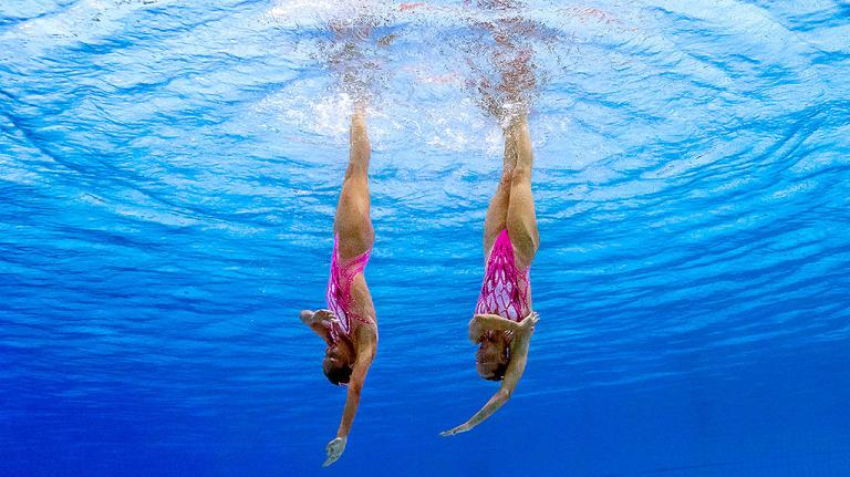 De una belleza resaltante, el Nado Sincronizado combina habilidades artísticas con resistencia superlativa dentro de la piscina, para producir imágenes sencillamente espectaculares.