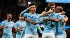 Jugadores del Manchester City celebrando un gol.